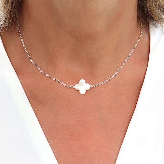 Necklace woman clover in mother-of-pearl on solid silver chain, gift for women, necklace flush