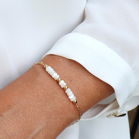 gold plated chain bracelet and mother-of-pearl beads, mother-of-pearl bracelet for women, women's gold plated bracelet, women's gift