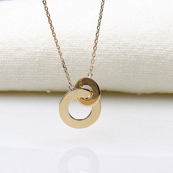 Necklace plated rings intertwined for woman