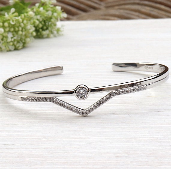 Bangle Silver 925 solitaire and triangle cubic zirconia