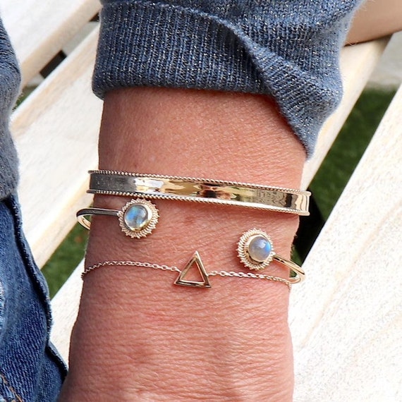 sun-shaped gold-plated rush bracelet and labradorite stone