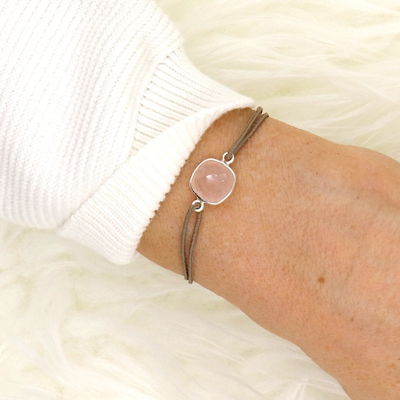 woman bracelet stone quartz pink on cord