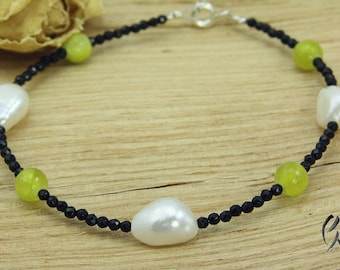 Bracelet black agate with green agate beads, freshwater pearls, hand work, own production