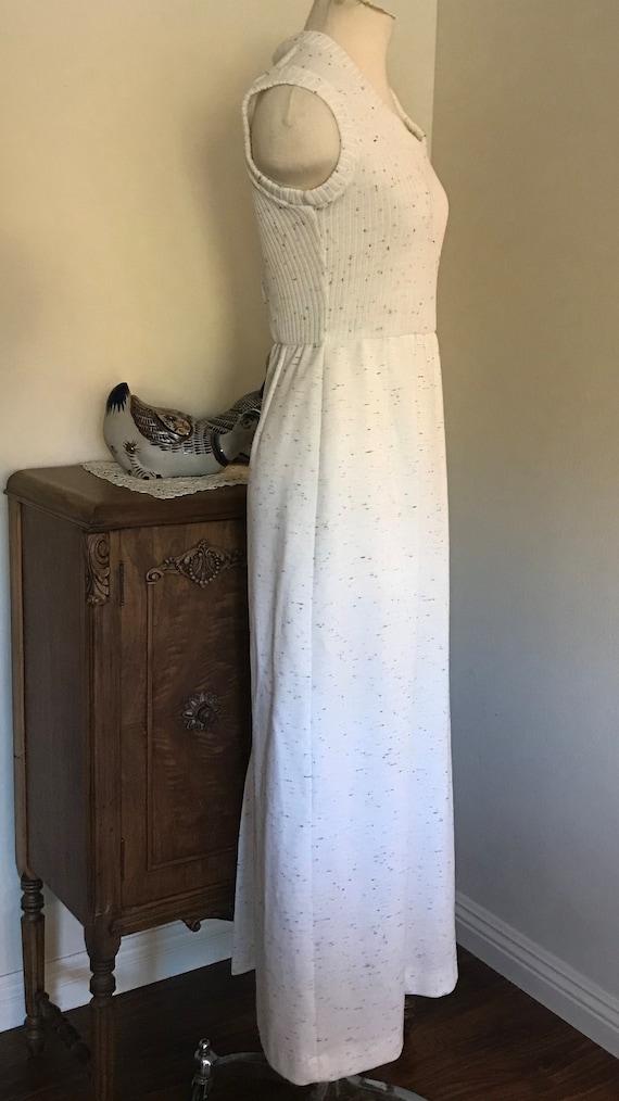 Vintage 1970's Sleeveless White  Maxi Dress with … - image 7