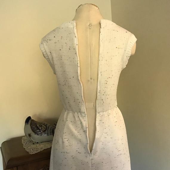 Vintage 1970's Sleeveless White  Maxi Dress with … - image 8