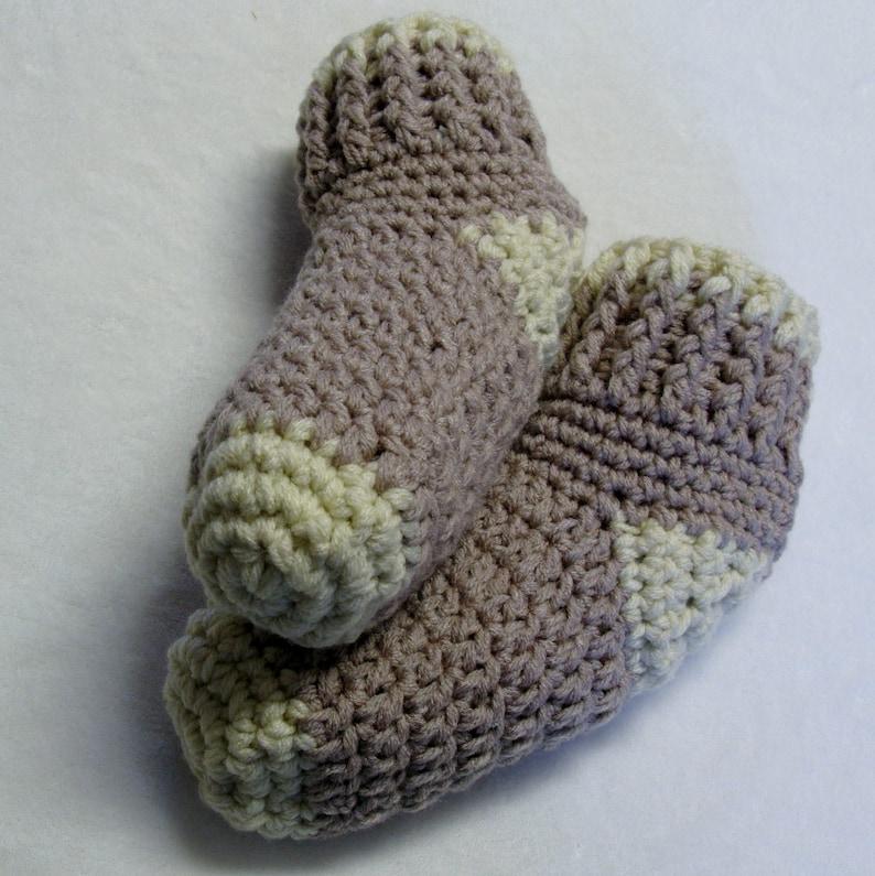 PATRON PDF 36 Chaussons chaussettes bas de laine au crochet image 0
