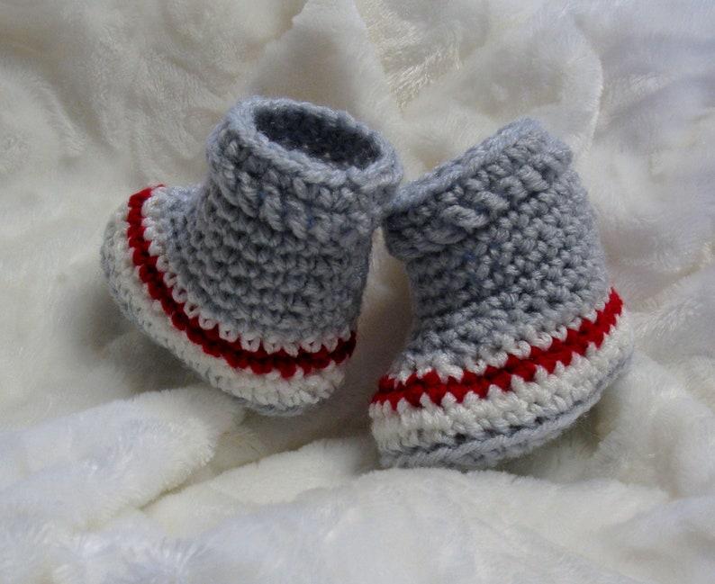 93ca7c7a3b572 PATRON PDF 37 Chaussons bas de laine au crochet pour bébés 0
