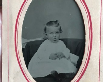 Antique tintype of small child