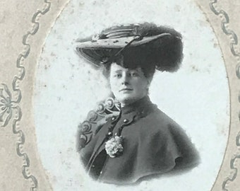 Amazing Victorian cabinet card photo