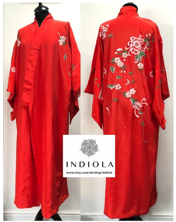 Vintage Long Red Embroidered Oriental Japanese/Chi