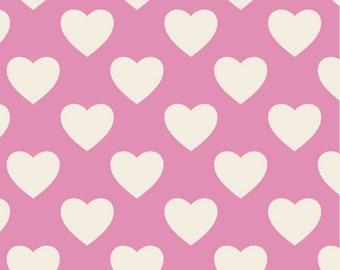 817 Pink Hearts 100/% Cotton Fabric Price per 1//2 metre