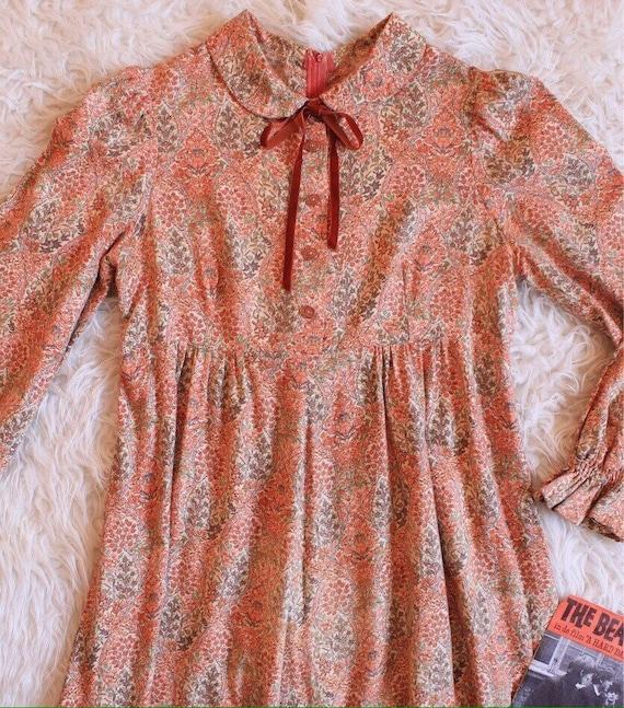 1960s dress - mod dress - peter-pan collar dress -