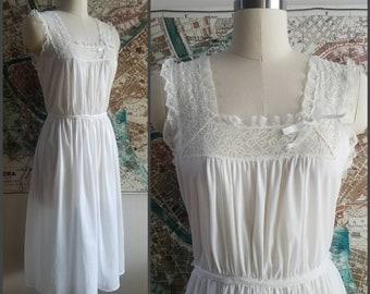 1950 s Lady Leonora Vintage Nightgown in White 50s Lingerie Nightgown 50 s  Loungewear Vintage Sleepwear 3d15da242