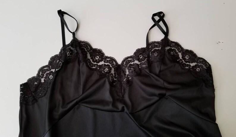 1970s Black Slip by Vanity Fair 70s Lingerie Sleepwear 70/'s Women/'s Vintage Size XL  44