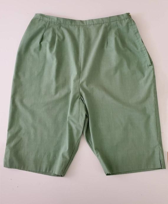 1960s Bermuda High Waist Shorts in Avocado Green 6