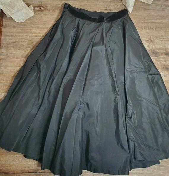 Vintage Black Taffeta Full Smart Set Sportswear Sk