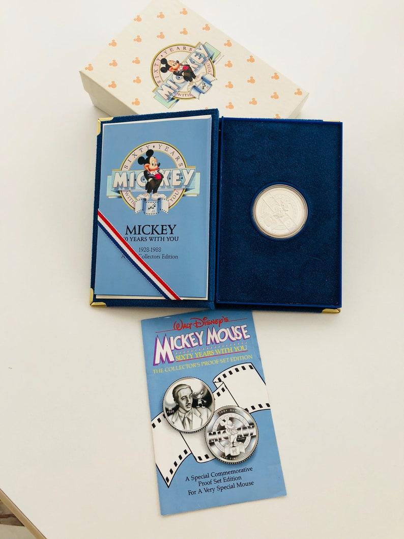 Disney/'s Snow White /& 7 Dwarfs 1 Troy Oz .999 Fine Silver Round Collectible Coin
