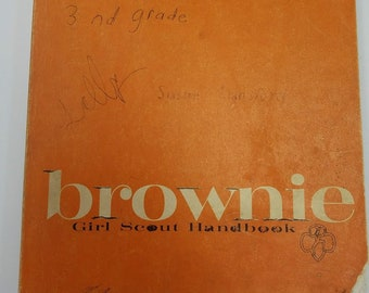 1963 Brownie Girl Scout Handbook Welcome to Brownieland, Secret of the Brownie Name, 224pp As Is 2nd, 3rd Grade Free Shipping