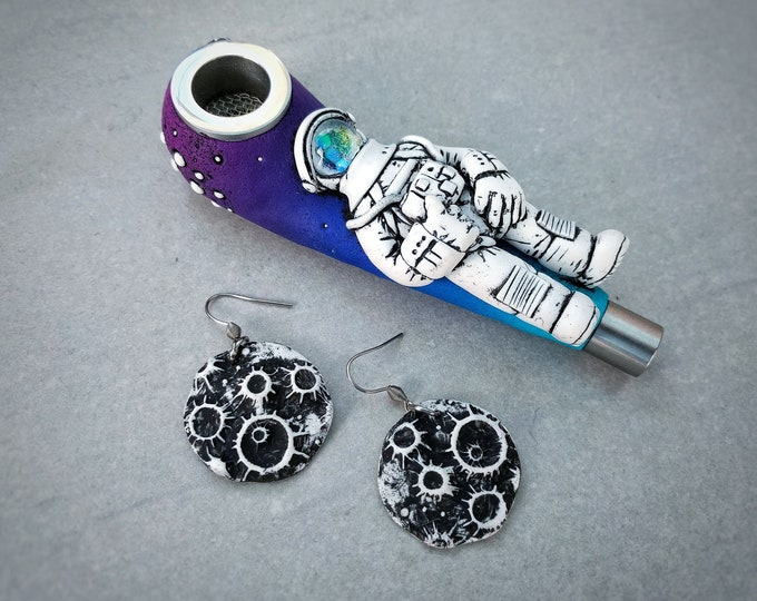 Astronaut Pipe and Moon Earrings SET
