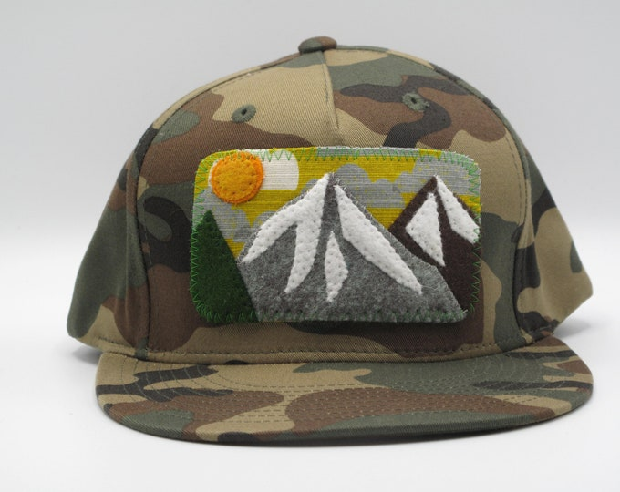 Mountain Flat Bill Hat in Camo