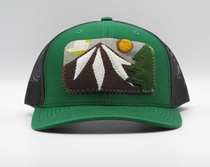 Mountain Trucker/Baseball Hat in Green