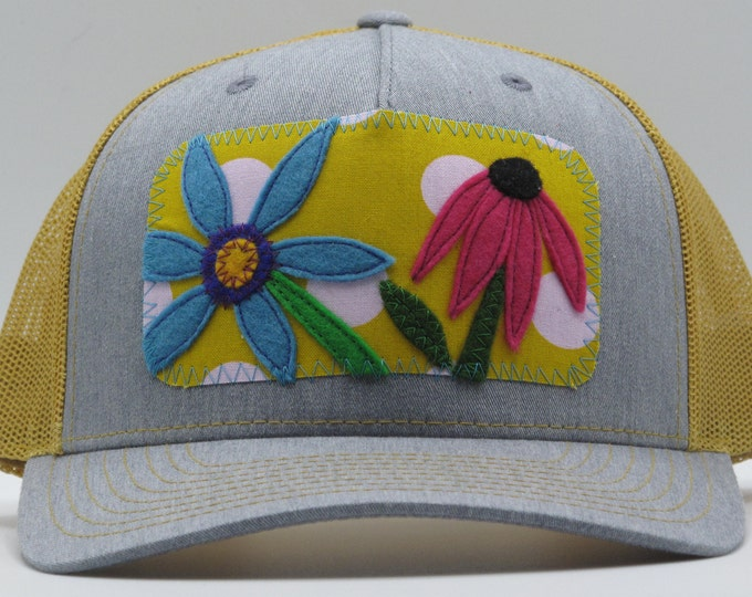 Sunny Garden Day Baseball Hat / Trucker Hat