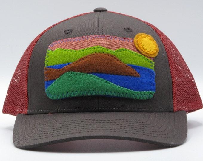 Fall ColorsMountain Lake Baseball Hat / Trucker Hat
