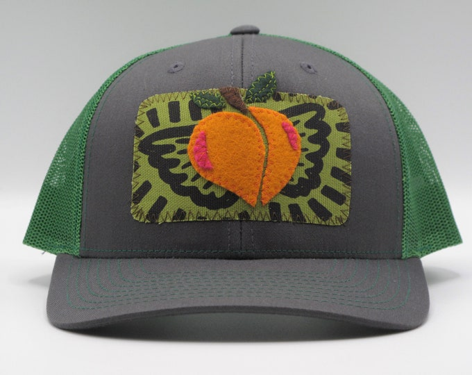 Flying Peach Trucker Hat/Baseball Hat in Green