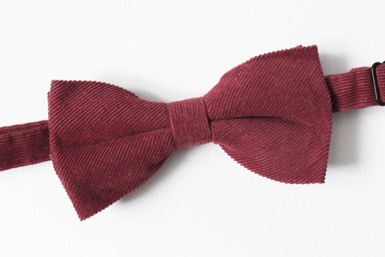 Red Corduroy Bow tie for men Wedding bow tie Groomsmen gifts Proposal gift Anniversary gift Wedding outfit Mens bow tie Wine red Chili Oil