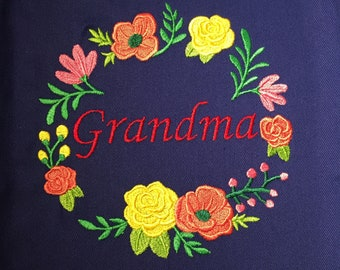 Flower Wreath Apron - Personalized apron - Custom gift for her - Embroidered name on apron - Best Chef Apron - Christmas gift