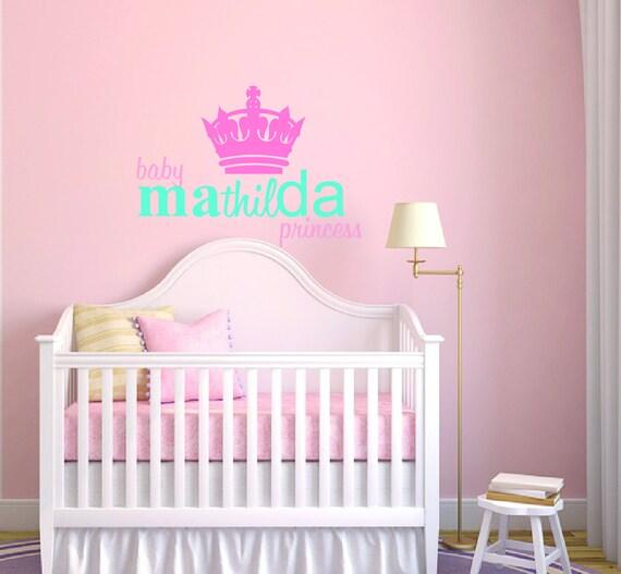 Custom Name Couronne - bébé fille - sticker mural chambre d\'enfant ...