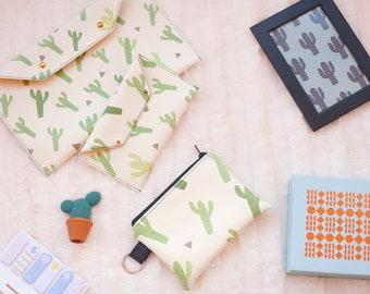 Cosmetic bag - Cactus print - cactus make up bag - mothers day - makeup addiction - cactus bag - cactus makeup bag - gift for women.