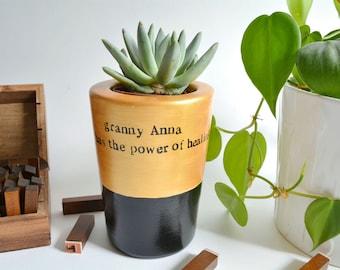"Grandma personalised gift ""granny has the power of healing"" plant pot"