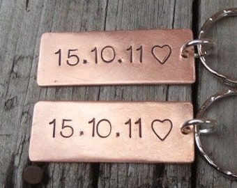 Copper Special Date Keyrings 7 Year Anniversary Keychain 7th Wedding Gifts for Men Valentines day Gift Bespoke Hand Stamped Personalised