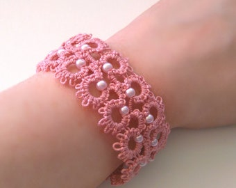 Pink bracelet made of tatting lace / / tatted jewelry / / tatted bracelet / / snap closure / / made in France