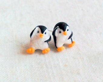 Christmas penguin earrings,handmade earrings,festive jewellery,penguin earrings,christmas earrings,polymer clay earrings,christmas eve box,