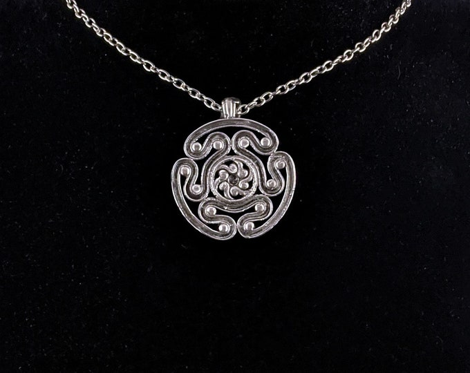 Symbol of Hekate Pendant Necklace