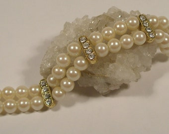 Pearl and clear rhinestone bracelet