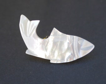 Mother of pearl fish brooch