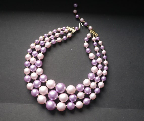 Three strand triple faux pearl vintage necklace pa