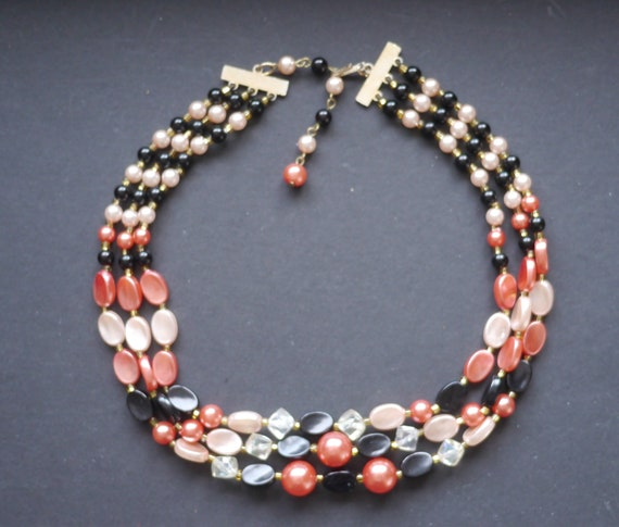 Three strand triple faux pearl vintage necklace pi