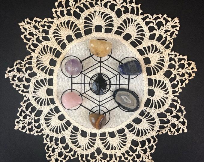 Featured listing image: Crystal Grid vintage linen