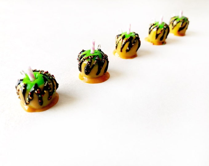 Featured listing image: Carmel Apple with chocolate drizzle