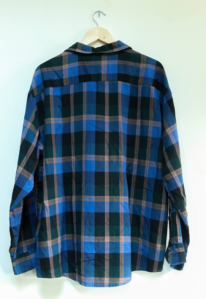 Vintage Button Down Northwest 1970s Long Sleeved Green Blue Plaid Button Down 100/% Acrylic Breast Pocket  Unisex Shirt Size XL