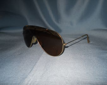 77d9f31c9a Authentic vintage B L Ray-Ban Wings sunglasses ! Bausch and Lomb! Made in  USA !! Brown lens !