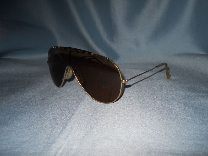 3850654fa49d3 Authentic vintage B L Ray-Ban Wings sunglasses Bausch and