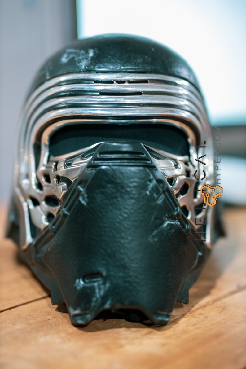 Replica Kylo Ren Helmet with voice changer 3EHoqAMg