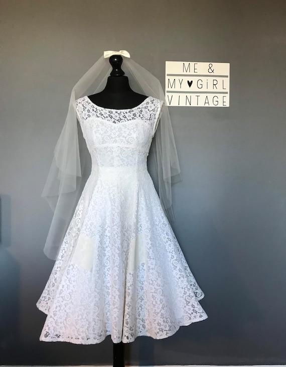 1950s vintage lace wedding dress