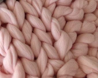 Giant wool, Roving, Bulky yarn, Big yarn, Super chunky yarn, Wool yarn, Wool roving, Chunky yarn, Merino wool, Giant yarn, Powder Pink, 1 KG