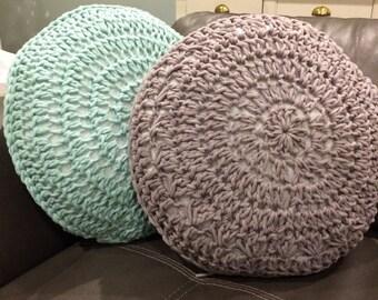 Chunky crochet cushion